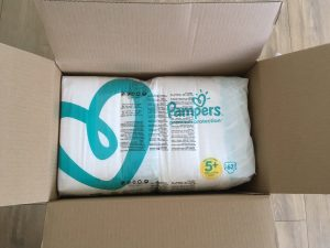 Pampers maandbox open