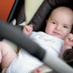 10 tips voor autovakantie met een pasgeboren baby