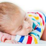 Help, mijn baby slaapt op zijn buik
